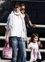 Katie Holmes y Suri Cruise shopping en Boston!
