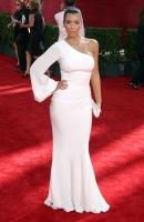Kim y Kourtney Kardashian en los Emmy's 2009
