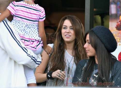 Miley Cyrus tiene pesadillas con los paps