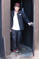 Nicole Richie y Joel Madden van a un concierto en The Roxy