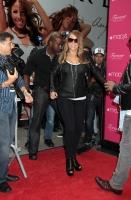 Mariah Carey lanza su nueva fragancia 'Forever' en Macy's
