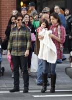 Suri Cruise escoge la ropa de su mami Katie Holmes