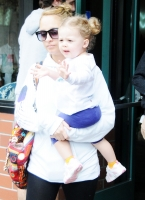 Awww... Harlow Winter Kate y su mami Nicole Richie