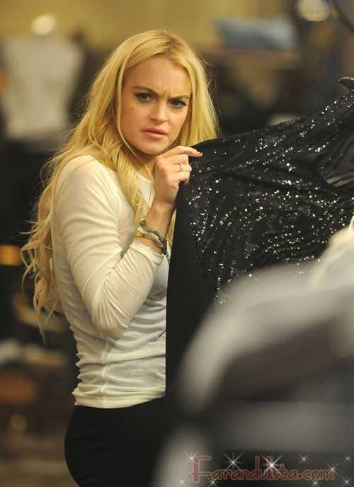 Lindsay Lohan tan desesperada que trabaja gratis?