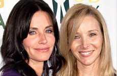 Lisa Kudrow junto a Courteney Cox en Cougar Town
