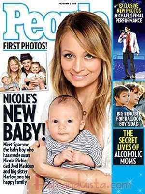 Nicole Richie presenta a su hijo Sparrow