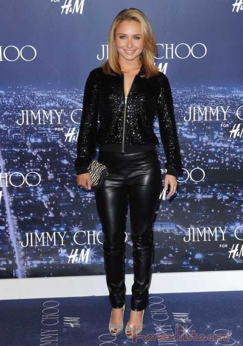 Hayden Panettiere con pantalones de cuero en el evento de Jimmy Choo