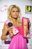Paris Hilton en el lanzamiento de su nueva linea de Belleza