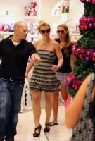 Britney Spears comprando en tiendas de descuento en Australia
