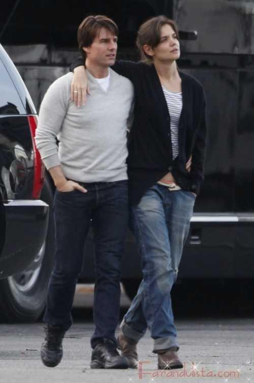 Katie Holmes romantica visita a Tom en el set de Wichita
