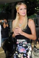 Paris Hilton vacante?