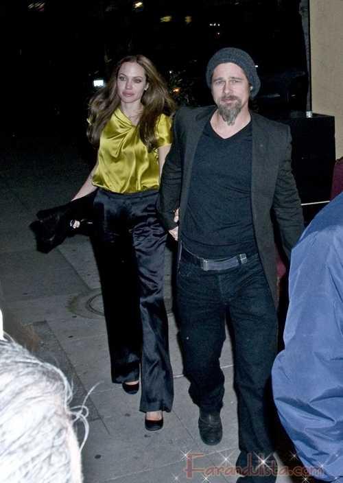 Angelina Jolie y Brad Pitt enamorados en la fiesta de George Clooney