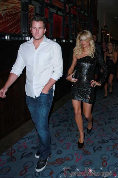 Paris Hilton y Doug Reinhardt en Rare - Gossip Gossip!