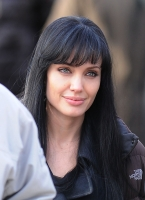 Nicole Kidman contrata al manager de Angelina Jolie