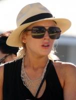 Lindsay Lohan disfruta y muestra su figura en St. Barts