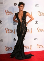 Halle Berry espectacular en los Golden Globes 2010