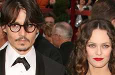 Johnny Depp huele mal… OMG!  – Gossip Gossip!