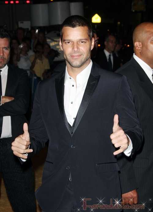 Ricky Martin sale del closet - Gossip Links!