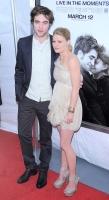 Robert Pattinson habla sobre su chiste de ser alergico a las mujeres