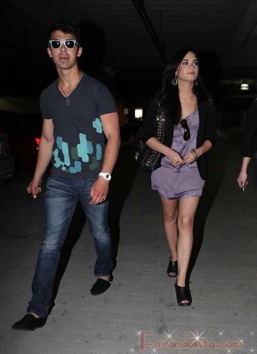 Demi Lovato confirma estar saliendo con Joe Jonas