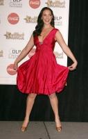 Katherine Heigl: se le escapa una boobie! Wardrobe Malfunction!!!