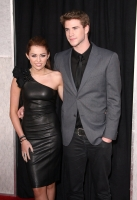 Miley Cyrus y Liam Hemsworth: The Last Song Premier en Hollywood
