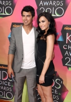 Demi Lovato ama a Joe Jonas y esta feliz de aparecer en Greys Anatomy