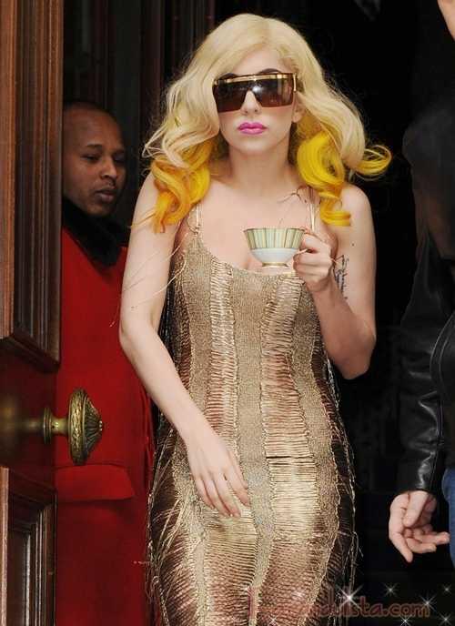 Lady Gaga es célibe y le dice a los fans: No tengan sexo!