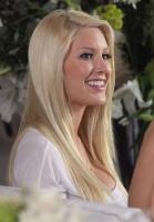 Heidi Montag no puede correr por sus nuevas boobies - Gossip!