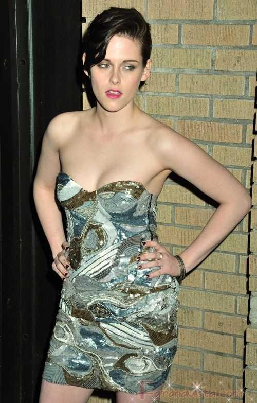 Kristen Stewart Wanted para reemplazar a Angelina Jolie? WTF?