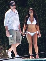 Kim Kardashian en bikini muestra su tonificado cuerpo en Miami