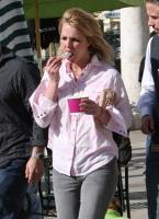 Britney Spears niega rumores de que se lastima