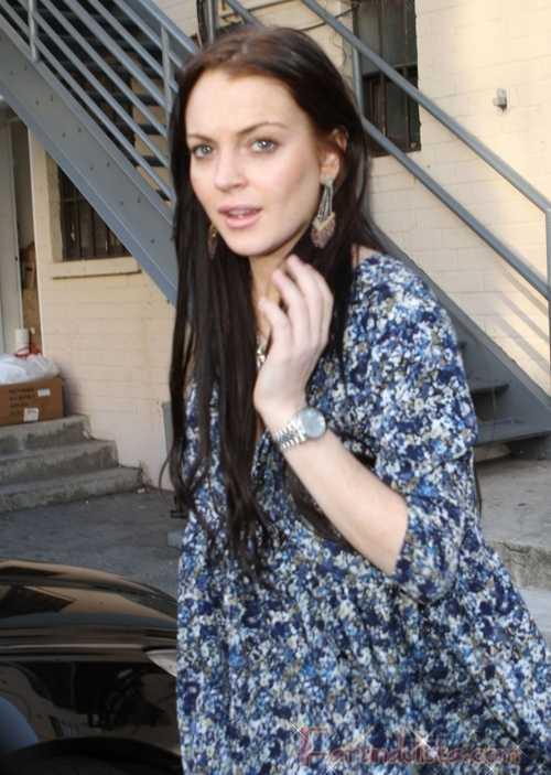 Lindsay Lohan paga fianza y se va de compras