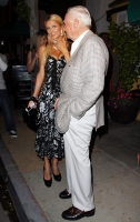Doug Reinhardt con otra chica - Paris Hilton soltera again!