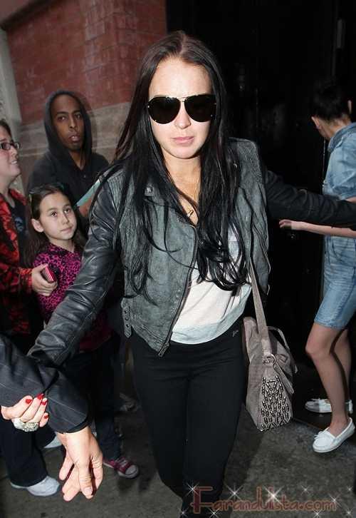 Lindsay Lohan furiosa porque se filtraron sus canciones - Gossip