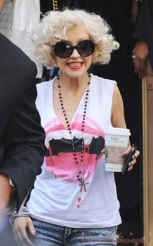Christina Aguilera se dirige a sus fans en relación a Lady Gaga