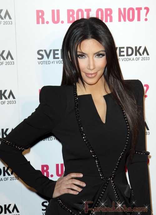 SURPRISE!! Kim Kardashian admite Botox pero niega otras cirugias