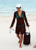 Halle Berry lo pasa bien en la playa