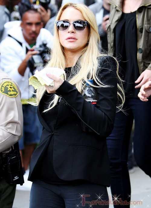 Lindsay Lohan no merece esa condena, según su madre Dina