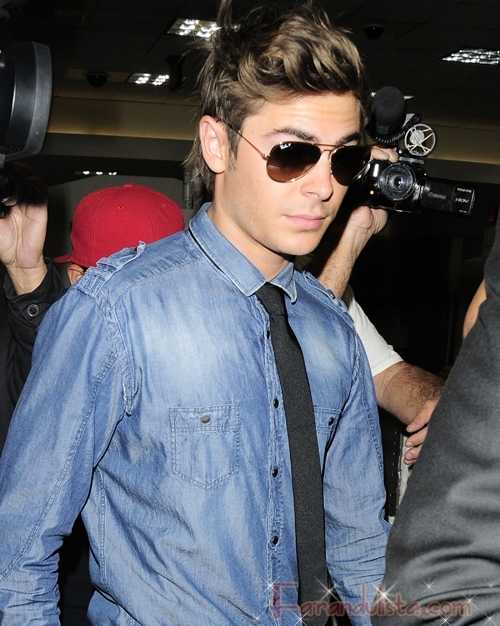 Zac Efron y sus amigos se divierten en un strip club en New York