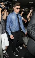 Zac Efron y sus amigos se divierten en un strip club en New York