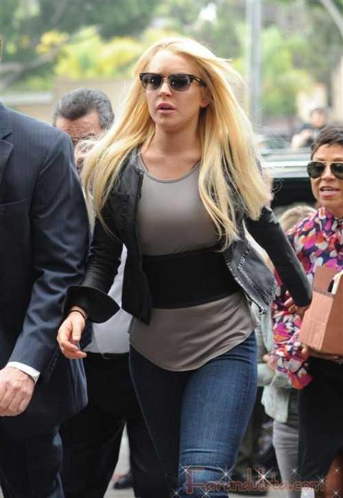 Lindsay Lohan transferida a rehab - niegan adiccion al crystal meth