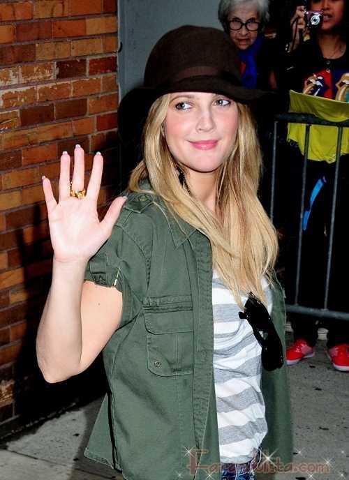 Drew Barrymore quiso golpear a una periodista que la entrevistó