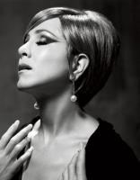 Jennifer Aniston como Barbra Streisand en Harper's Bazaar