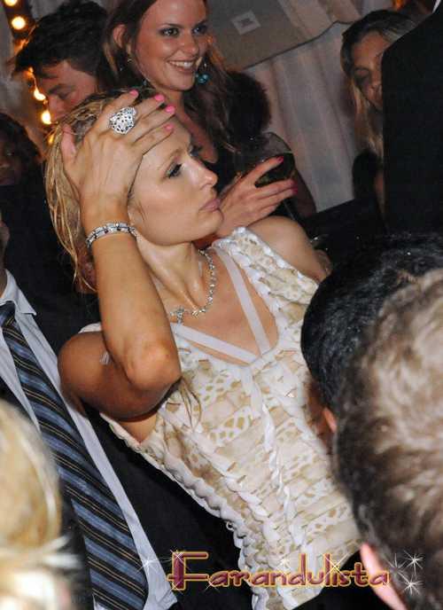 Paris Hilton Sayonara Japon