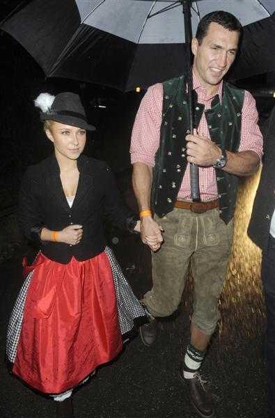 Hayden y su novio en el Oktoberfest - Gossip