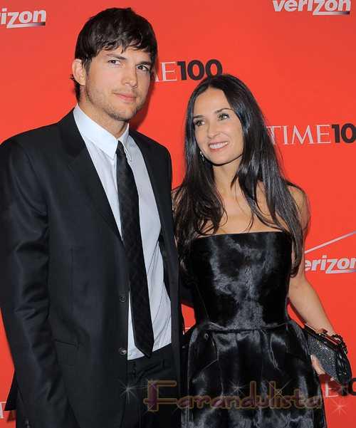 Demi Moore revela que Ashton Kutcher fue infiel 2 veces!