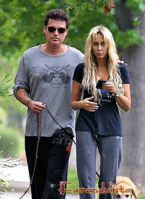 La madre de Miley tuvo un romance?|Tish Cyrus & Bret Michael's affair?|