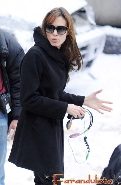Angelina odia el Thanksgiving Day - Dia de Accion de Gracias!