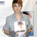Justin Bieber promociona su libro 'First Step 2 Forever!